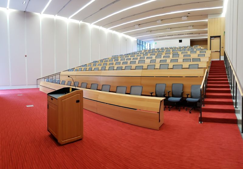 A large tiered Auditorium in Building 7R